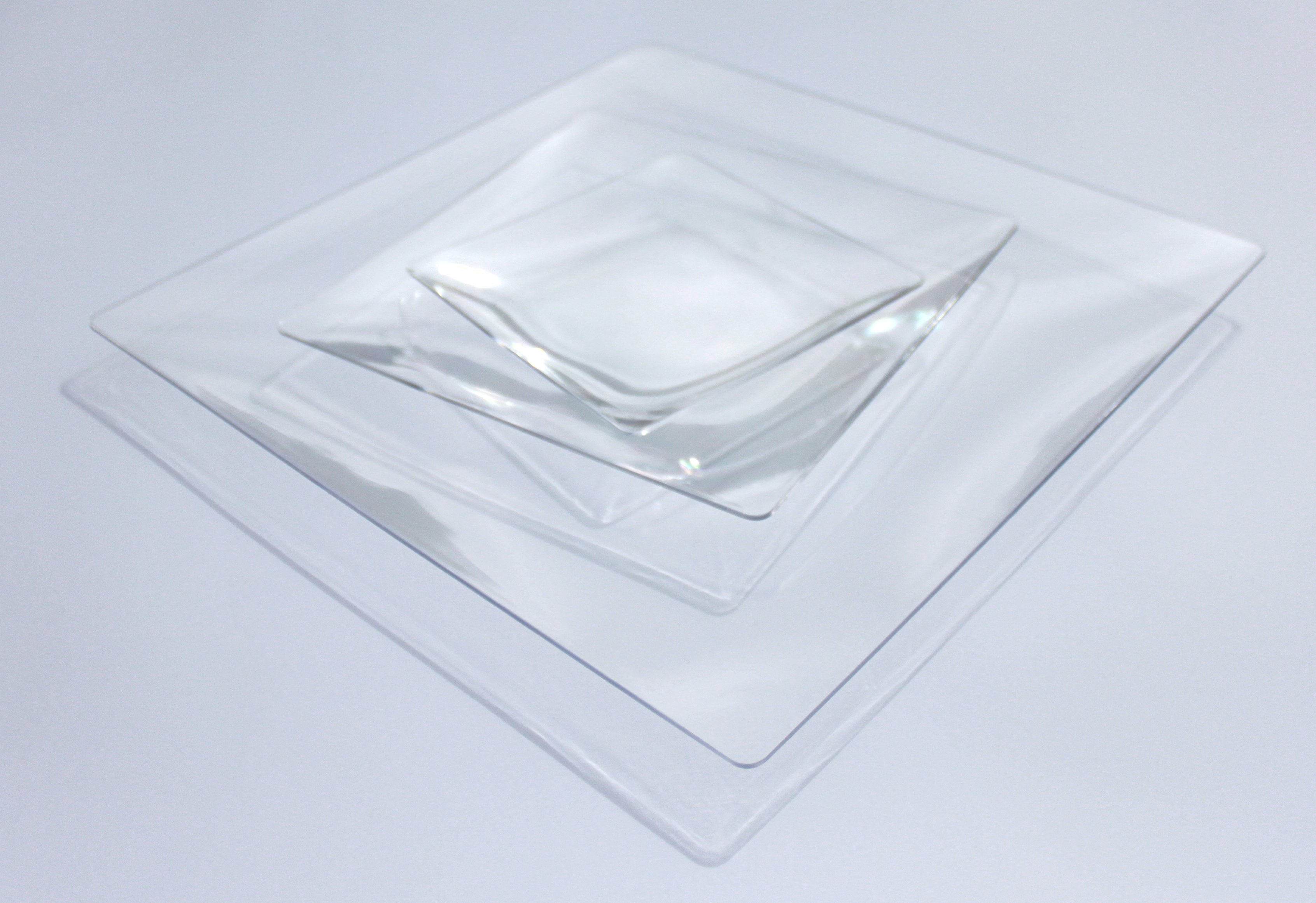 assiette plate carree transparente